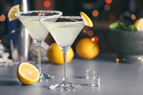 Vodka vs. Gin Martini Ingredients